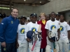 ryan-maron-and-premier-zille-with-the-township-cricketers-sports-trader-photos-3